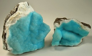Hemimorphite courtesy of Rob Lavinsky, iRocks.com